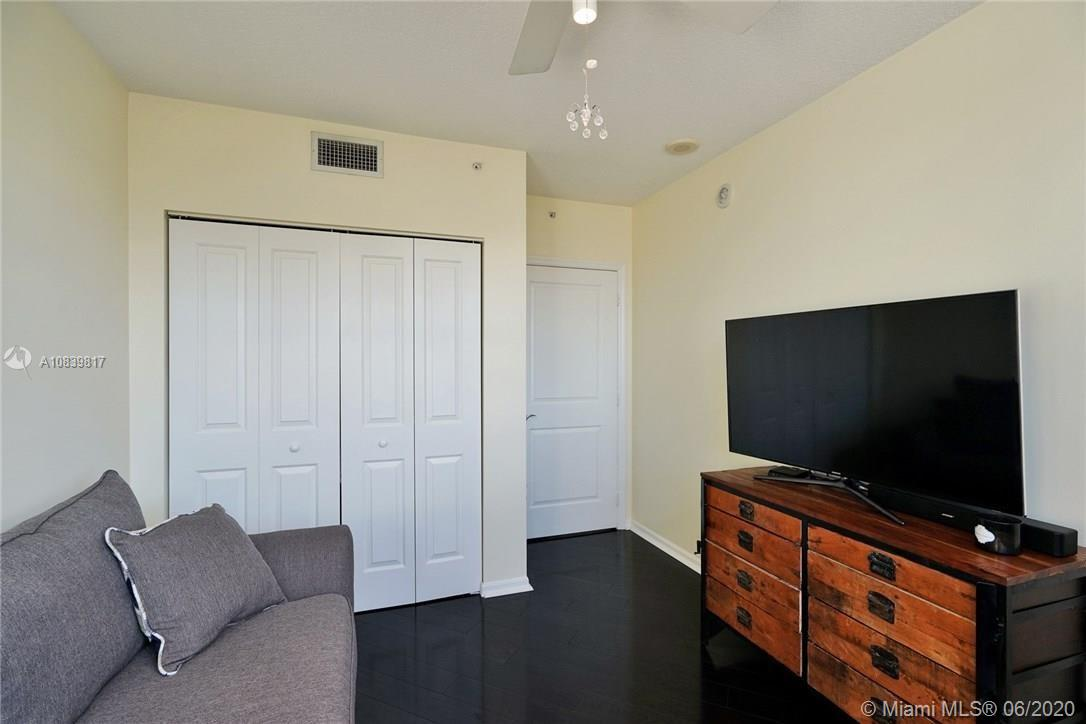 347 N New River Dr #2309 photo015