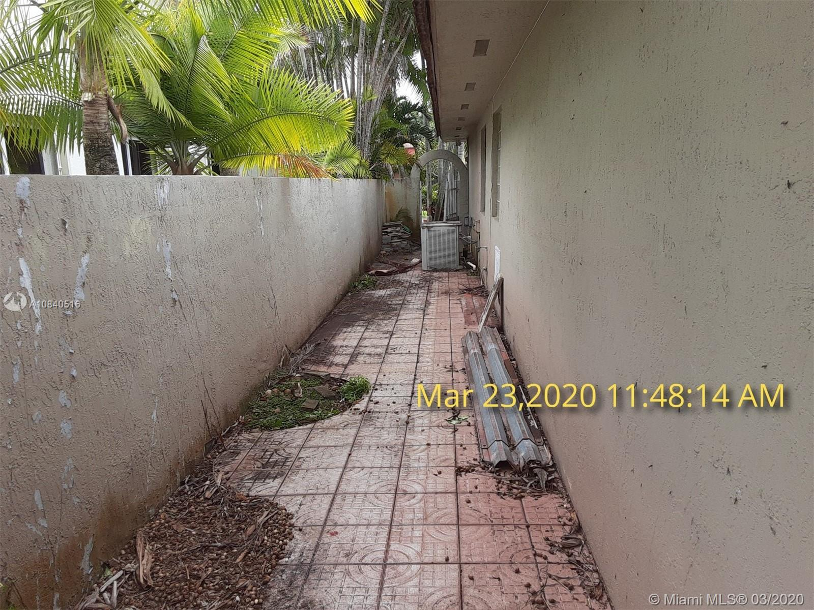8271 NW 167th Ter photo021