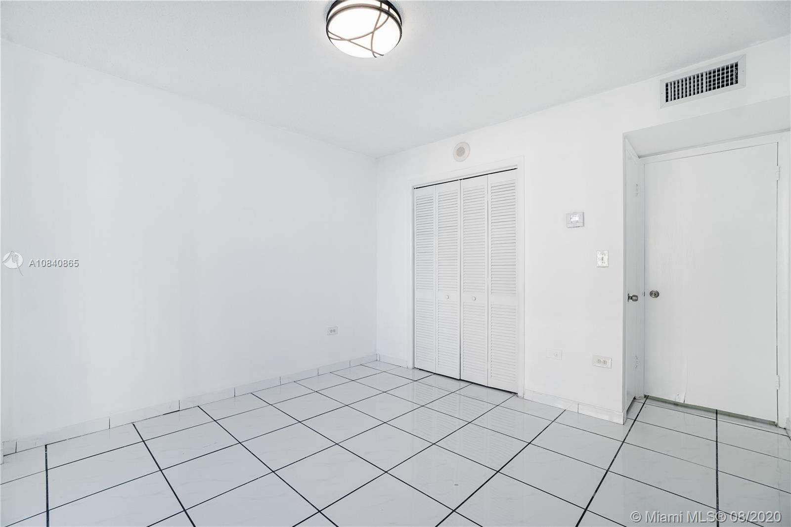 5555 Collins Ave #6W photo020
