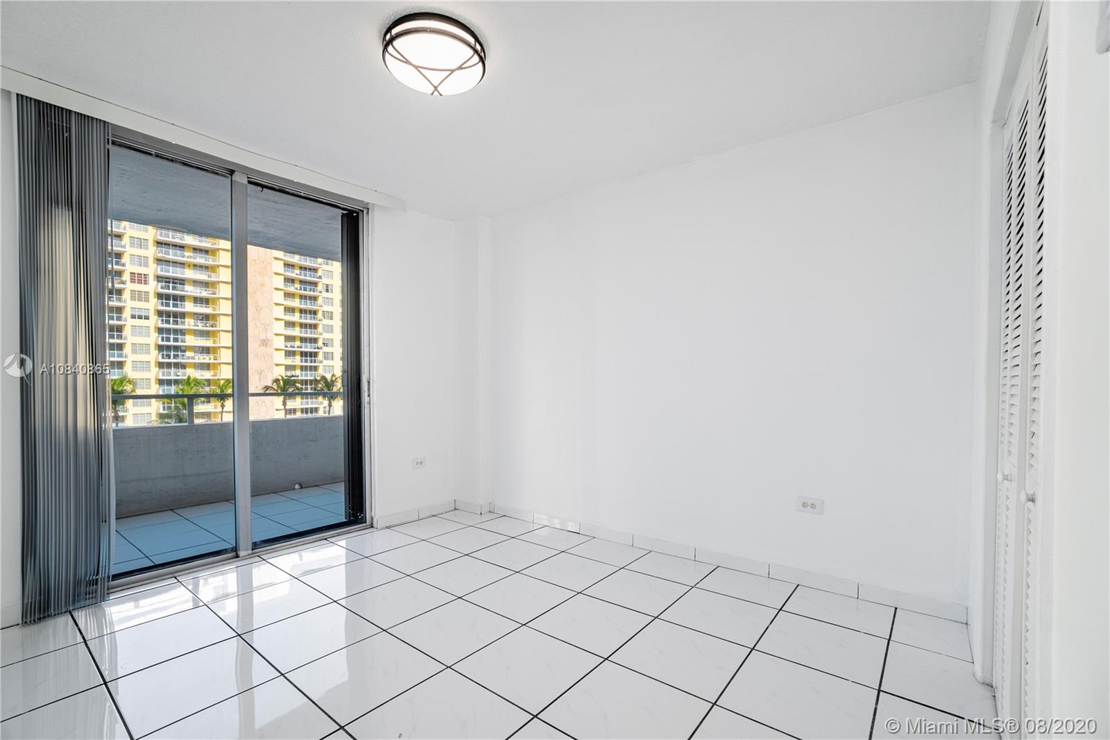 5555 Collins Ave #6W photo019