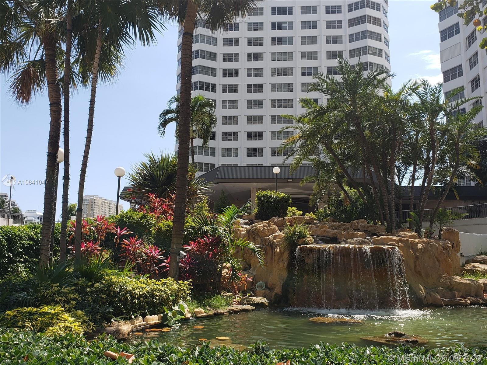 Courts Brickell Key #667 - 801 Brickell Bay Dr #667, Miami, FL 33131