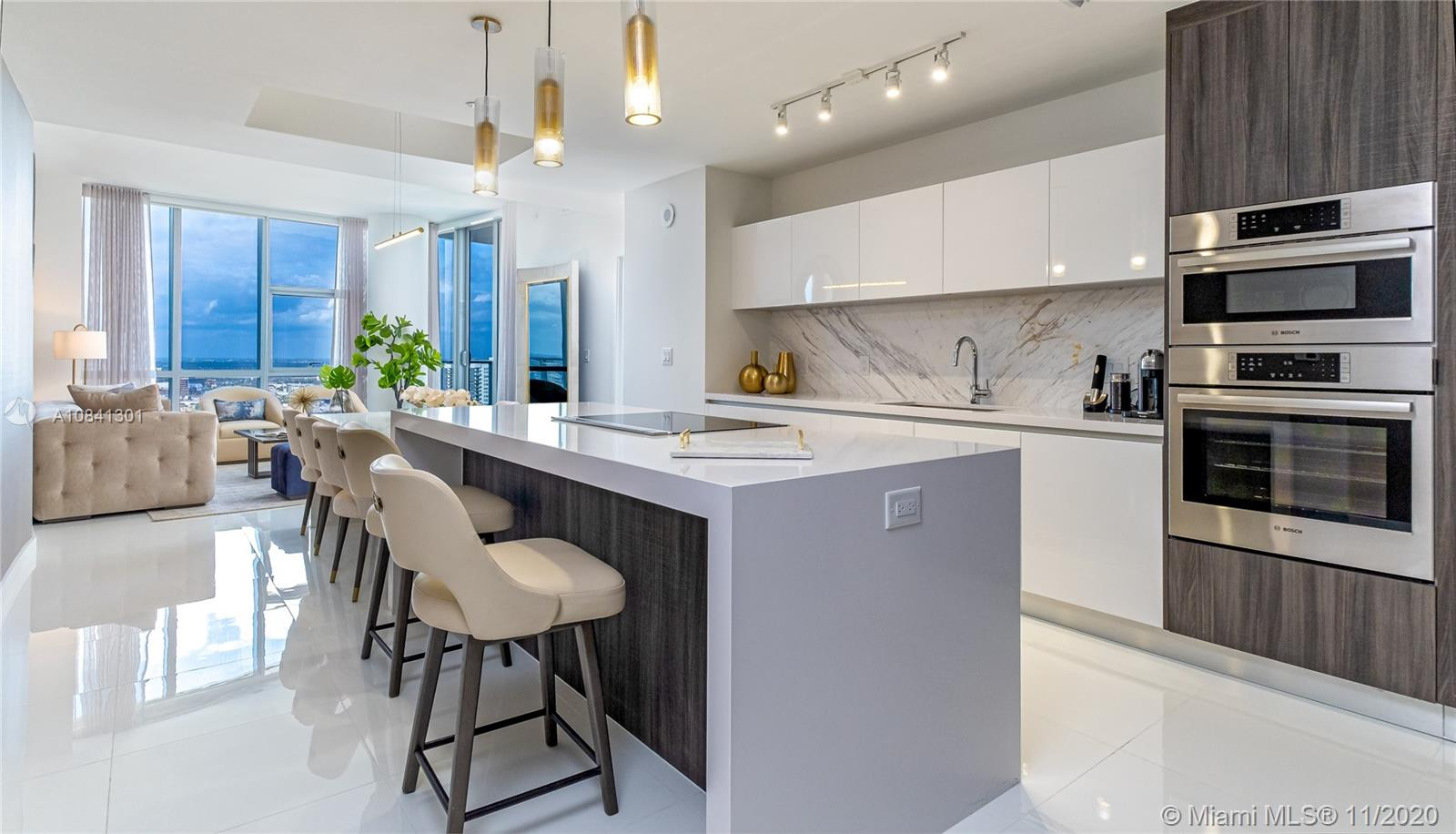 Photo of 851 NE 1st Ave #3301 listing for Sale
