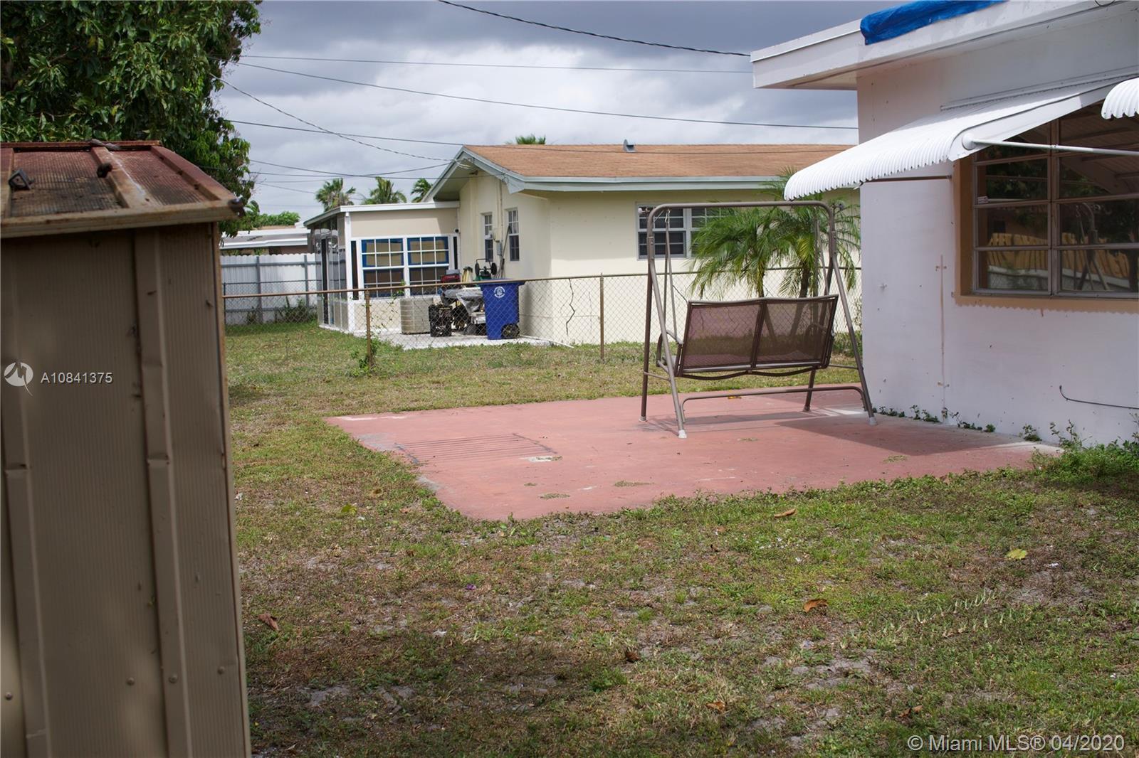 2912 Alcazar Dr photo017
