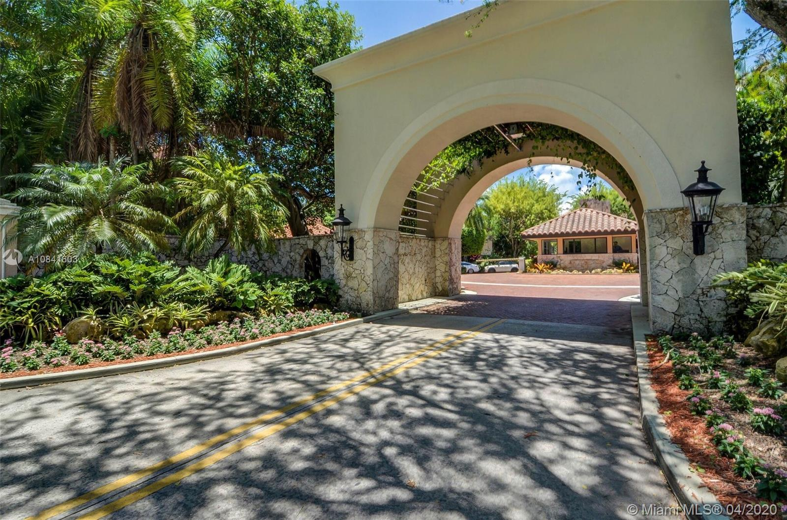 Photo of 2000 S Bayshore Dr #15 listing for Sale