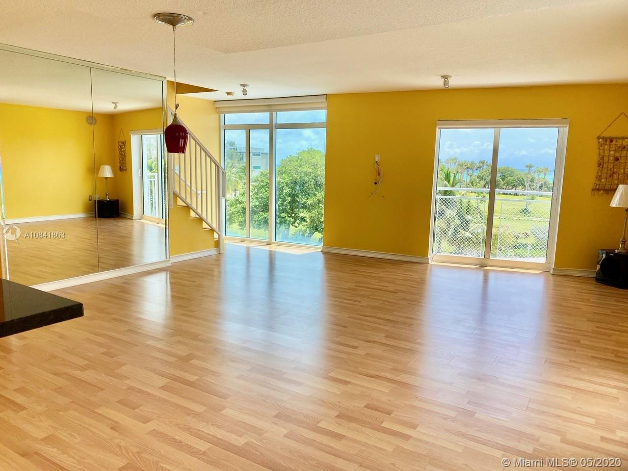7600 Collins Ave #410 photo03