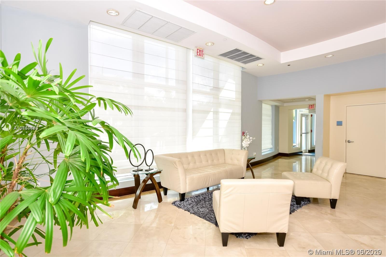 7600 Collins Ave #410 photo032