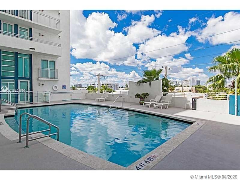7600 Collins Ave #410 photo048