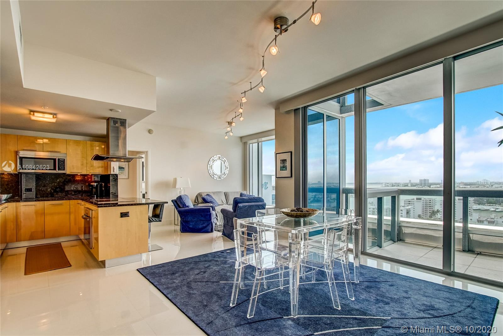6899 Collins Ave #1710 photo06