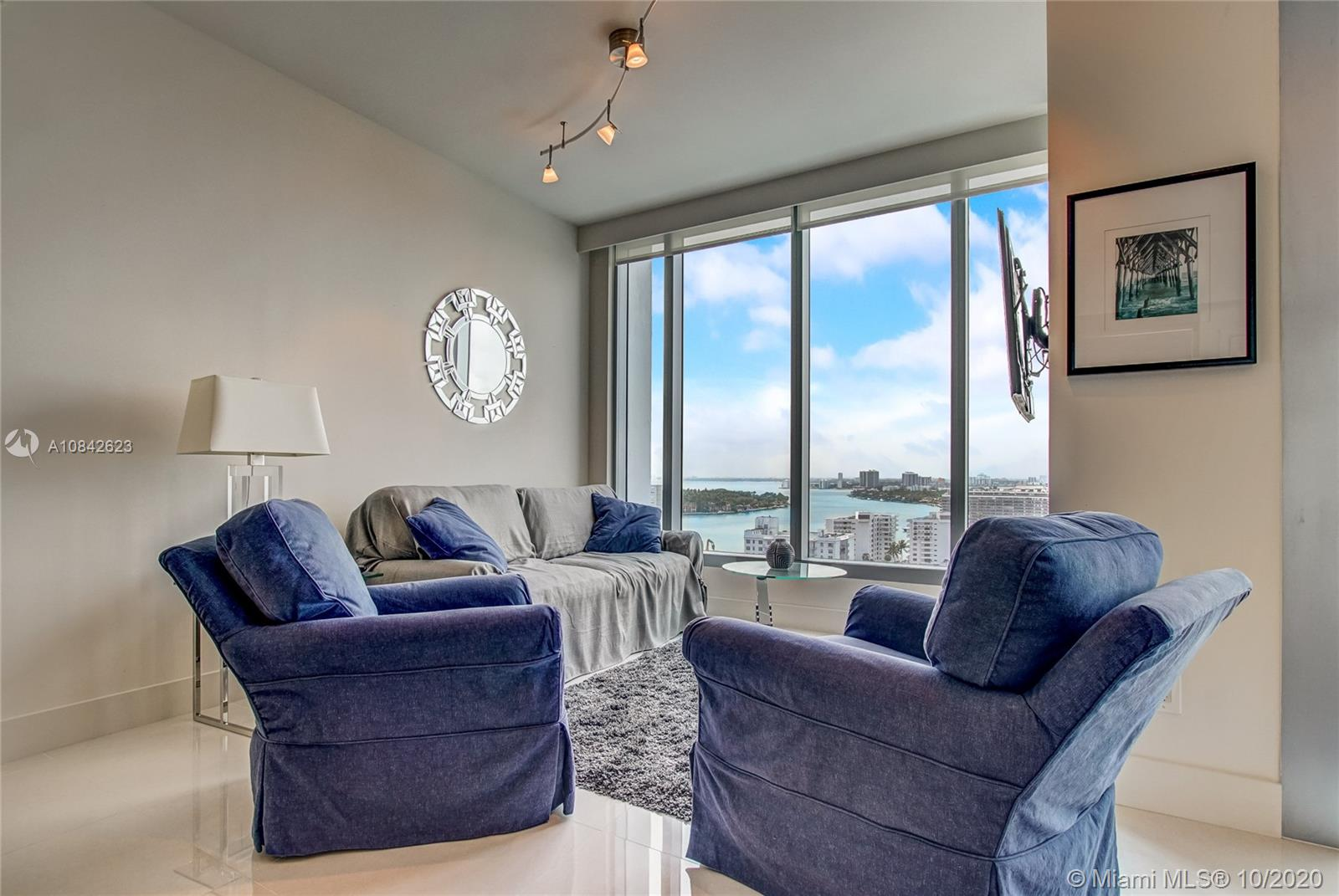 6899 Collins Ave #1710 photo08