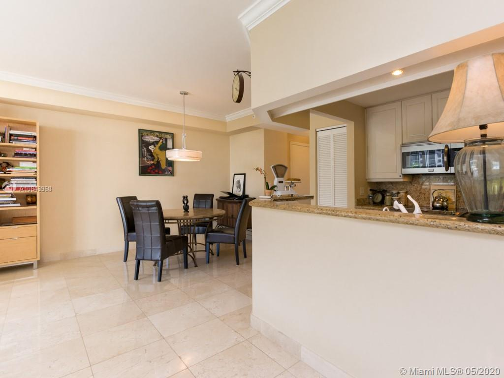 848 Brickell Key Dr #703 photo07