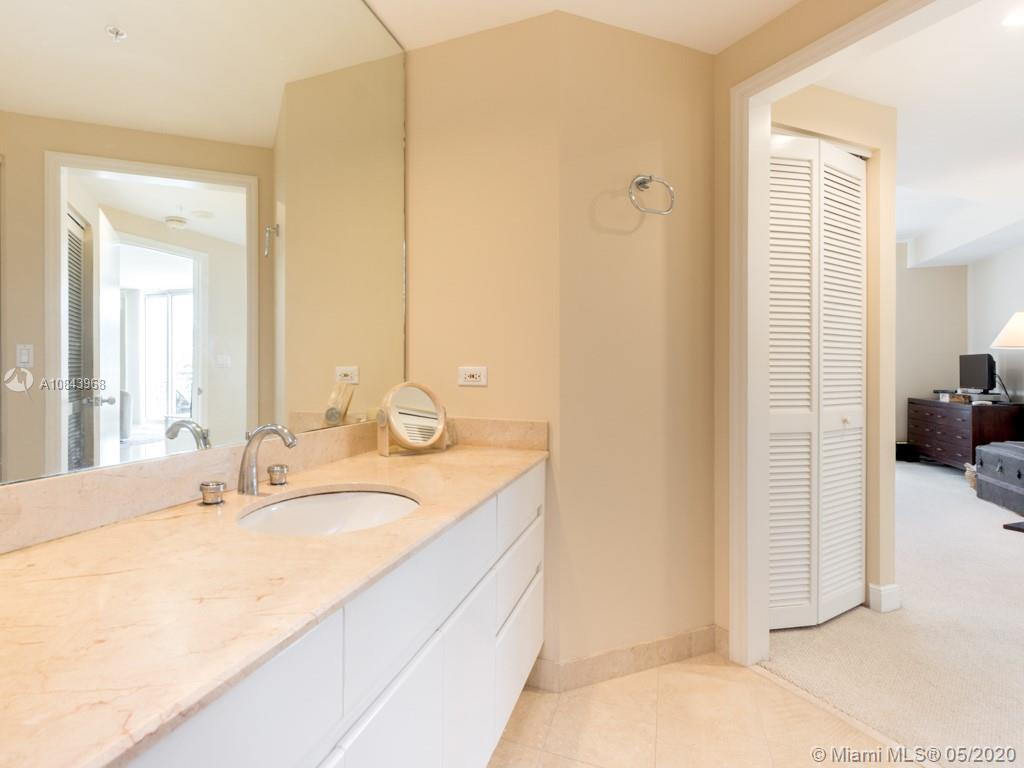 848 Brickell Key Dr #703 photo021