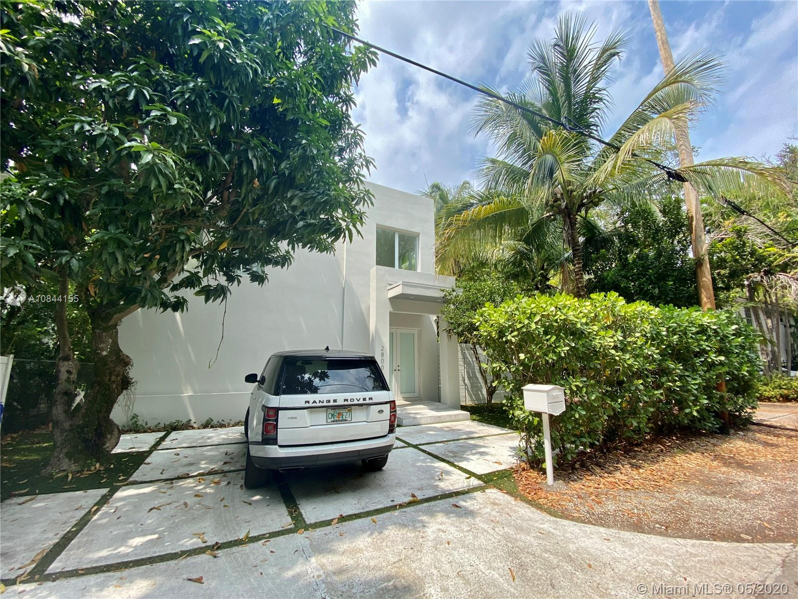 2800 Coacoochee St, Miami, Florida 33133, 6 Bedrooms Bedrooms, ,5 BathroomsBathrooms,Residential,For Sale,2800 Coacoochee St,A10844155