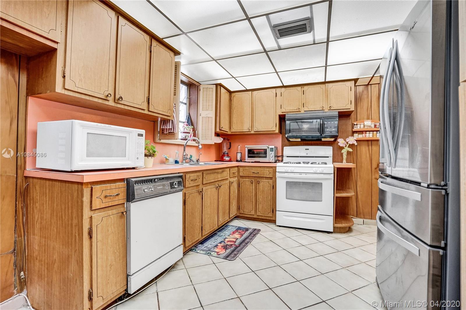 7505 Cutlass Ave photo028