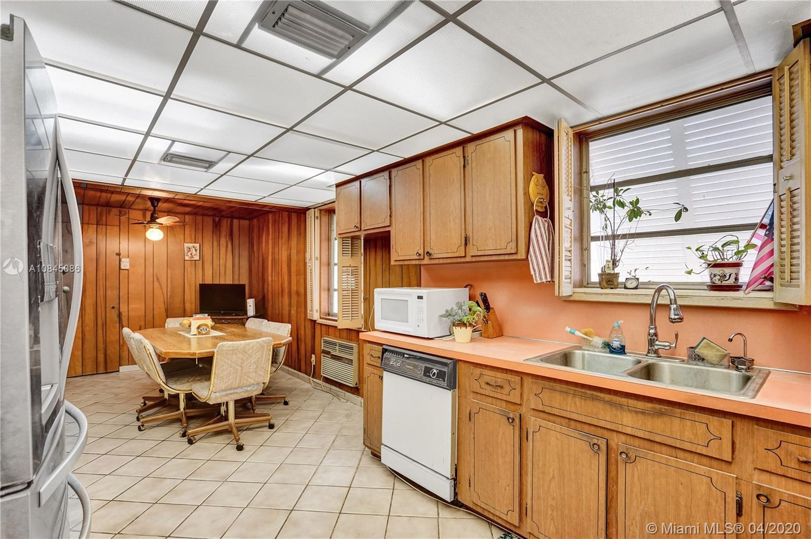 7505 Cutlass Ave photo025