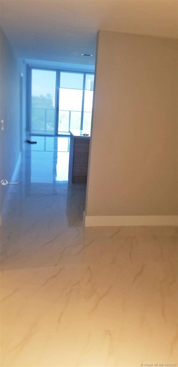 16385 Biscayne Blvd #902 photo038