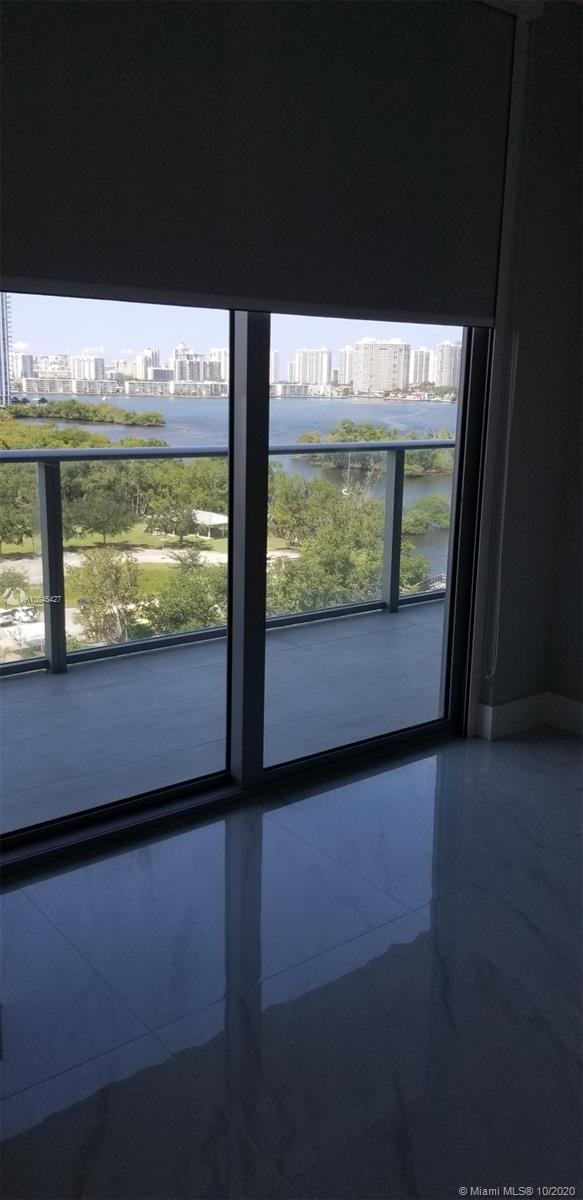 16385 Biscayne Blvd #902 photo044