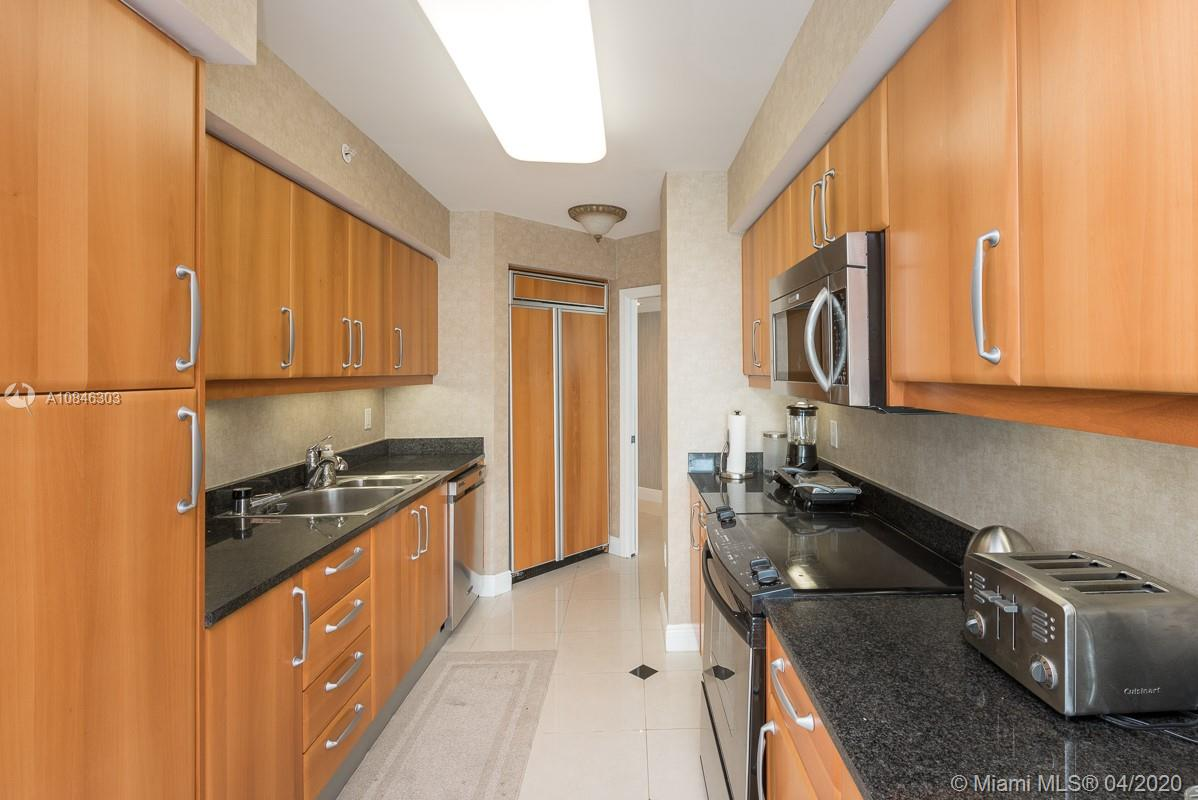 16500 Collins Ave #653 photo05