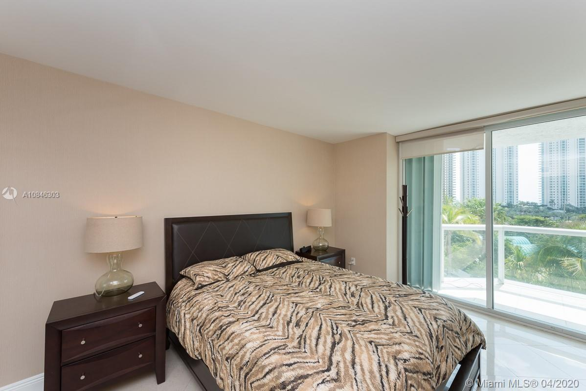 16500 Collins Ave #653 photo08