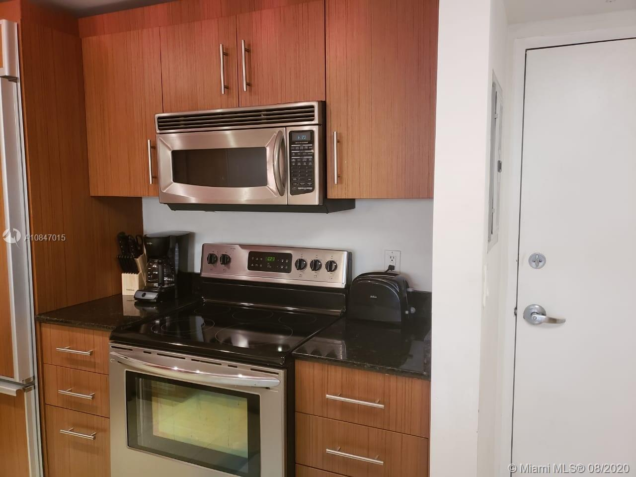 10275 Collins Ave #426 photo07