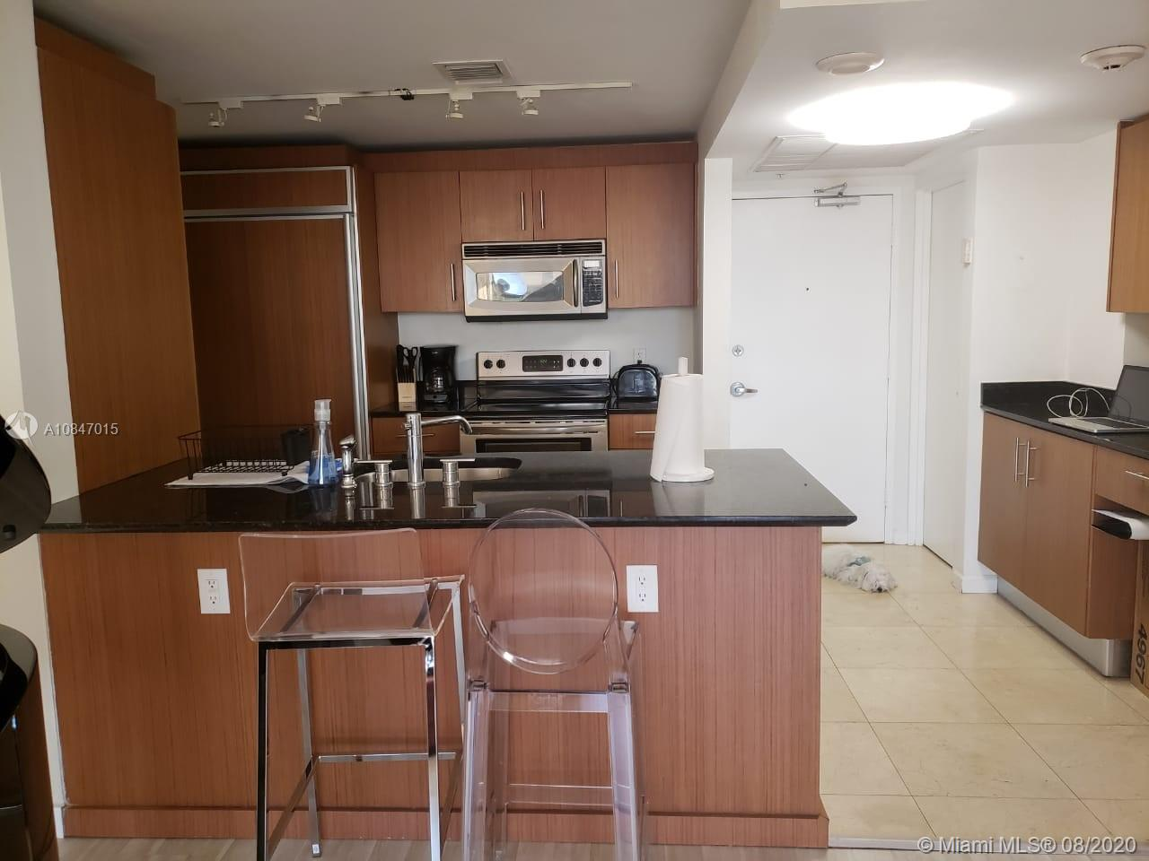 10275 Collins Ave #426 photo08