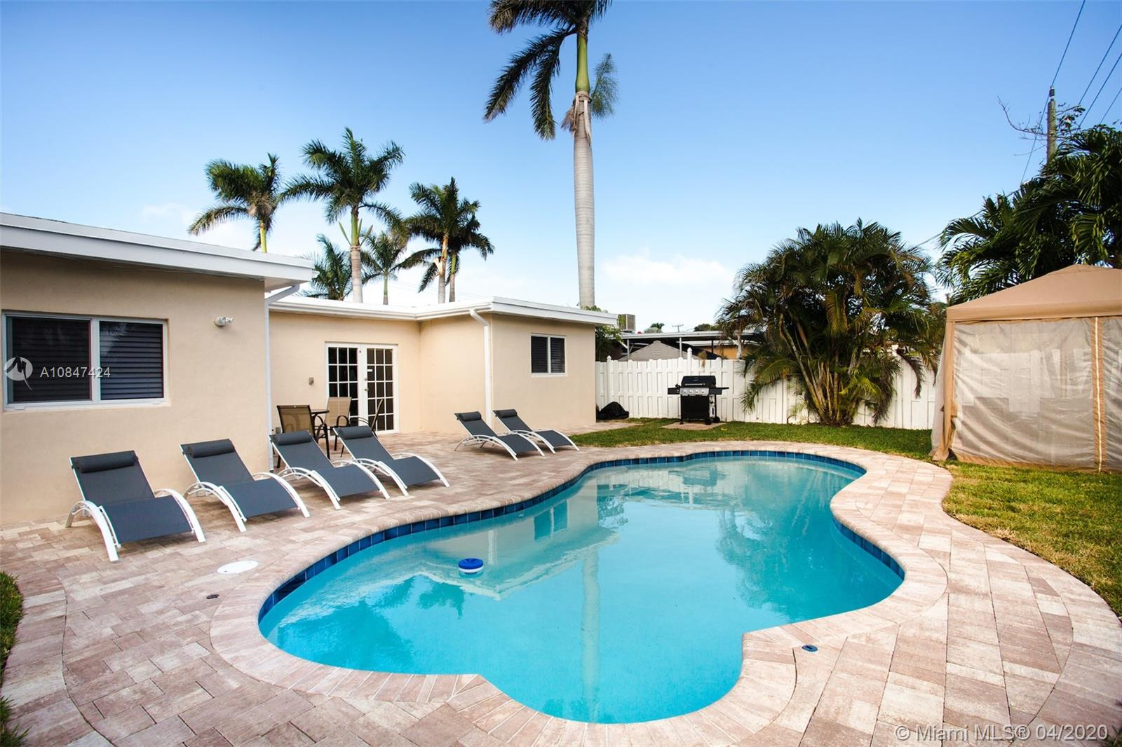 Hollywood Lakes - 1228 Johnson St, Hollywood, FL 33019