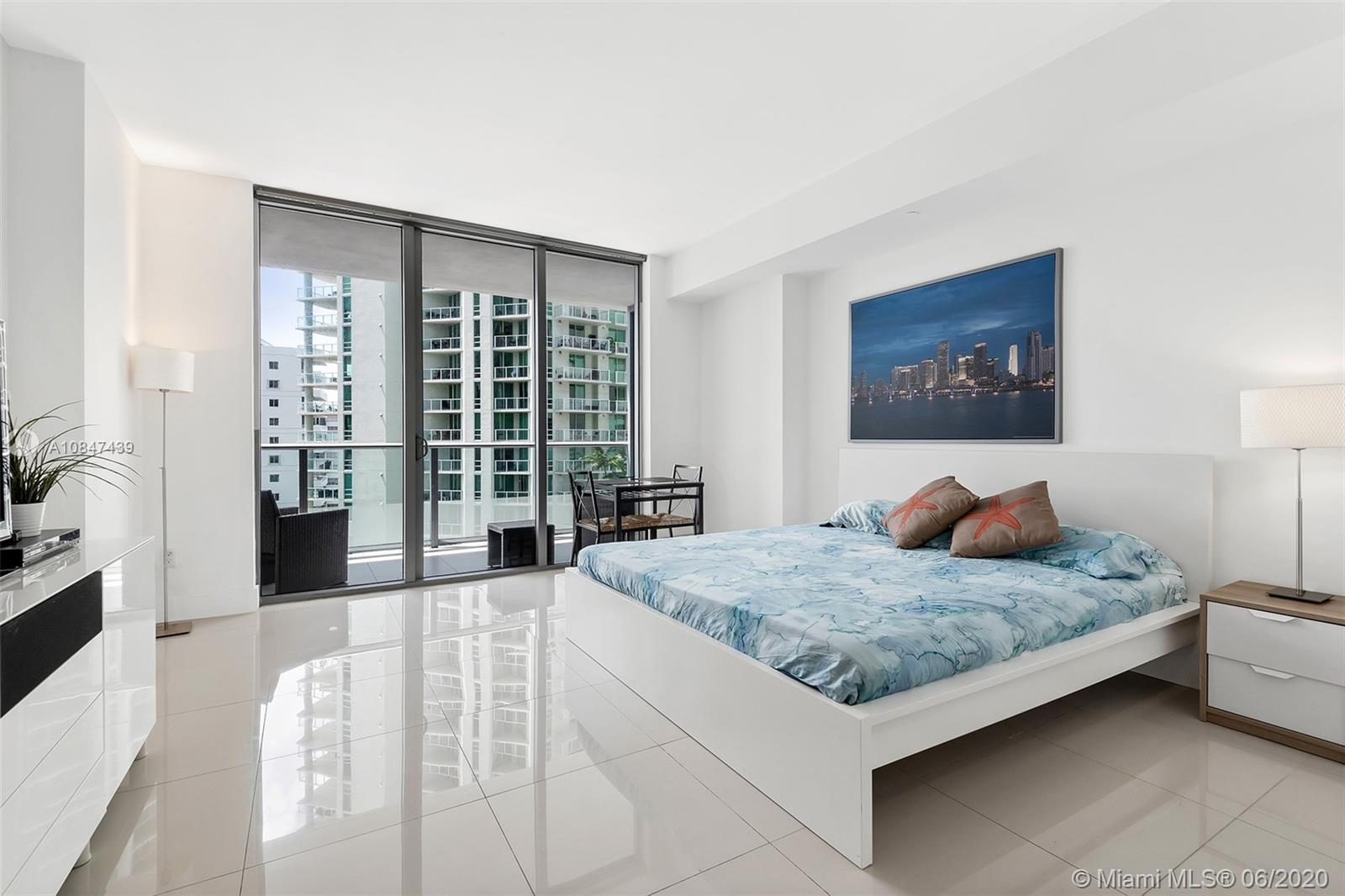 1300 Brickell Bay Dr #1105 photo01
