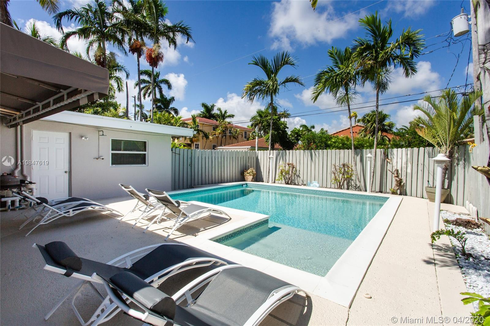 Hollywood Lakes - 825 Harrison St, Hollywood, FL 33019