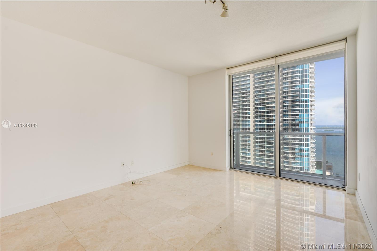 1060 Brickell Ave #3007 photo06