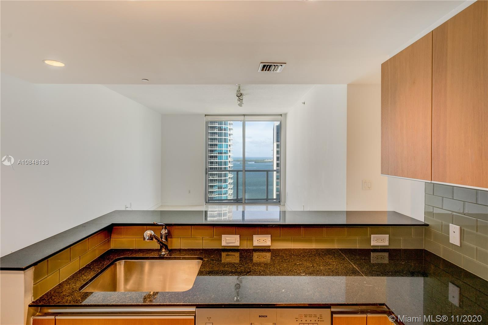 1060 Brickell Ave #3007 photo017