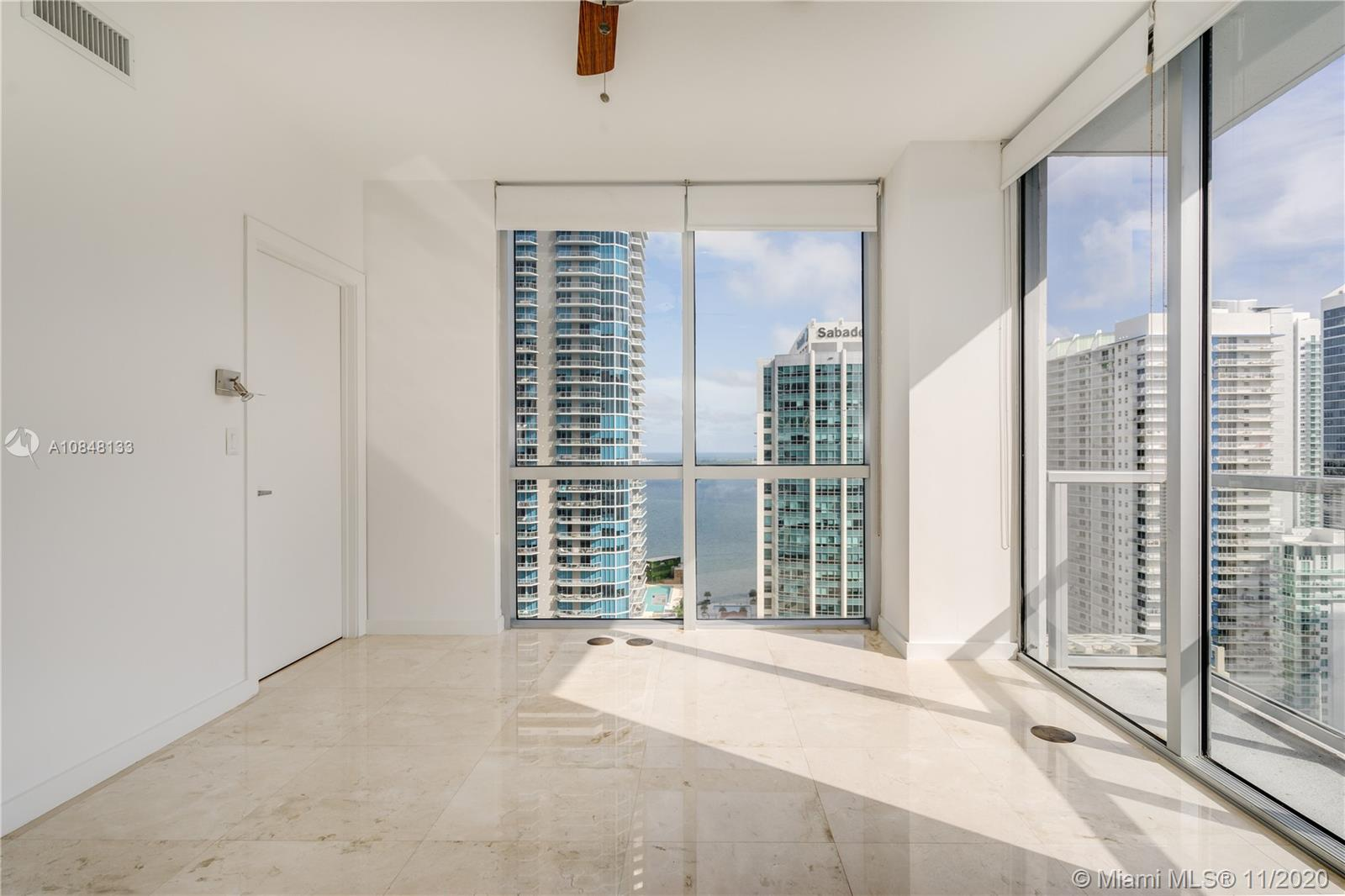 1060 Brickell Ave #3007 photo07