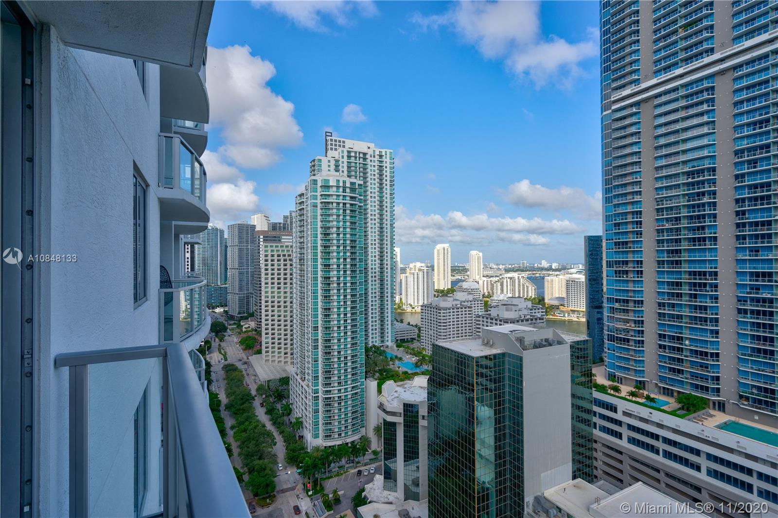 1060 Brickell Ave #3007 photo03