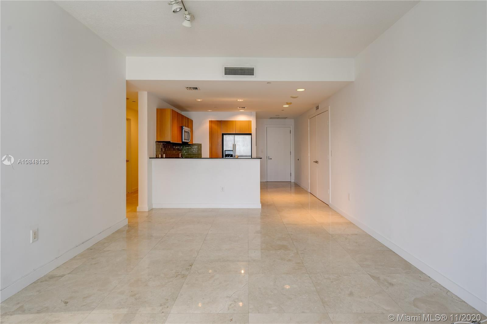 1060 Brickell Ave #3007 photo05