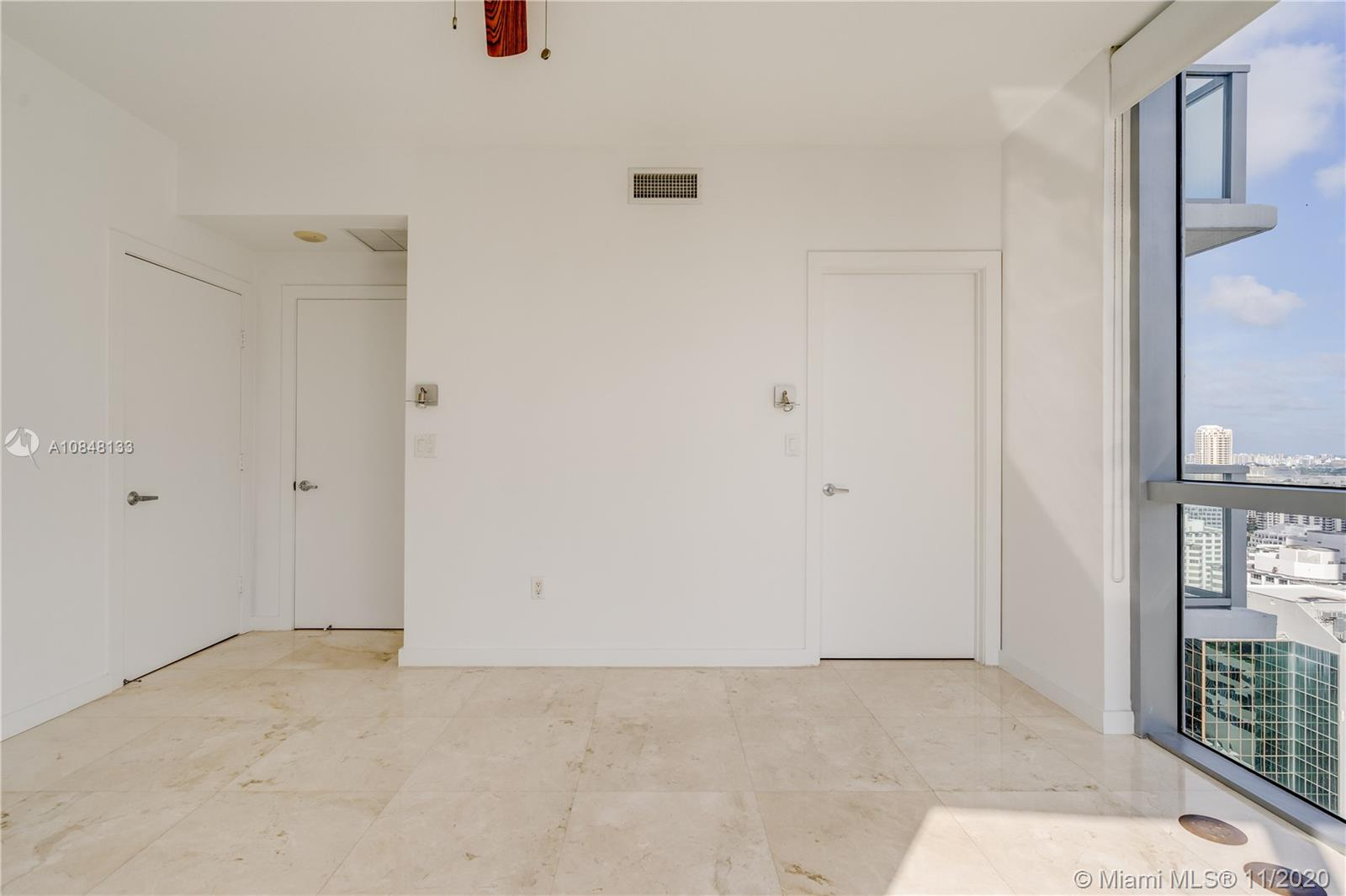 1060 Brickell Ave #3007 photo020