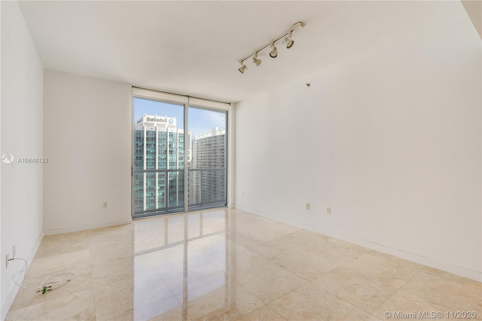 1060 Brickell Ave #3007 photo018
