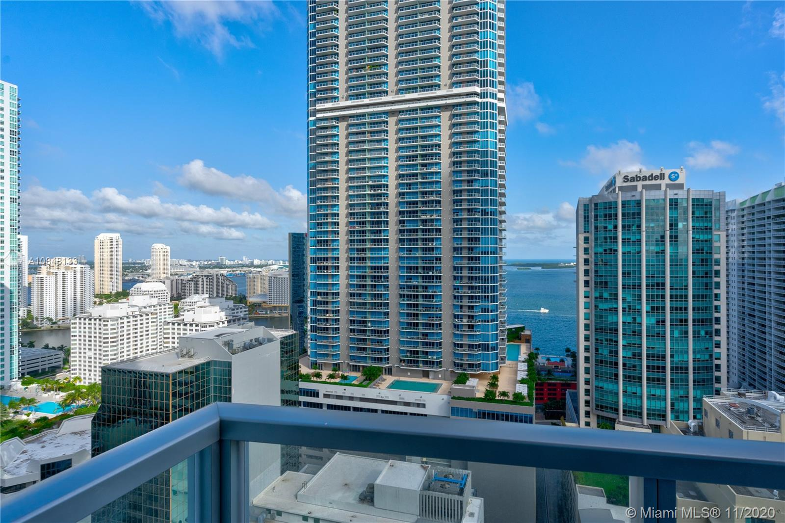 1060 Brickell Ave #3007 photo04