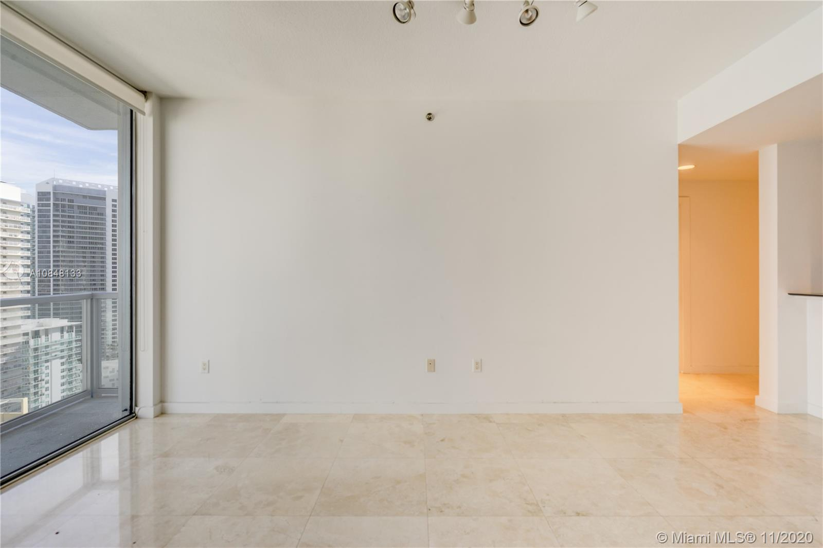 1060 Brickell Ave #3007 photo08