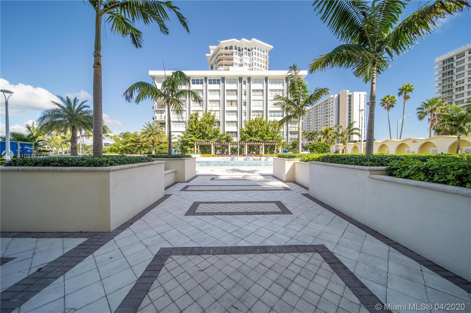 5600 Collins Ave #10R photo011