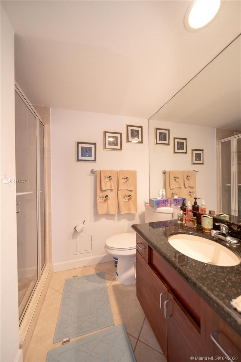 5600 Collins Ave #10R photo025