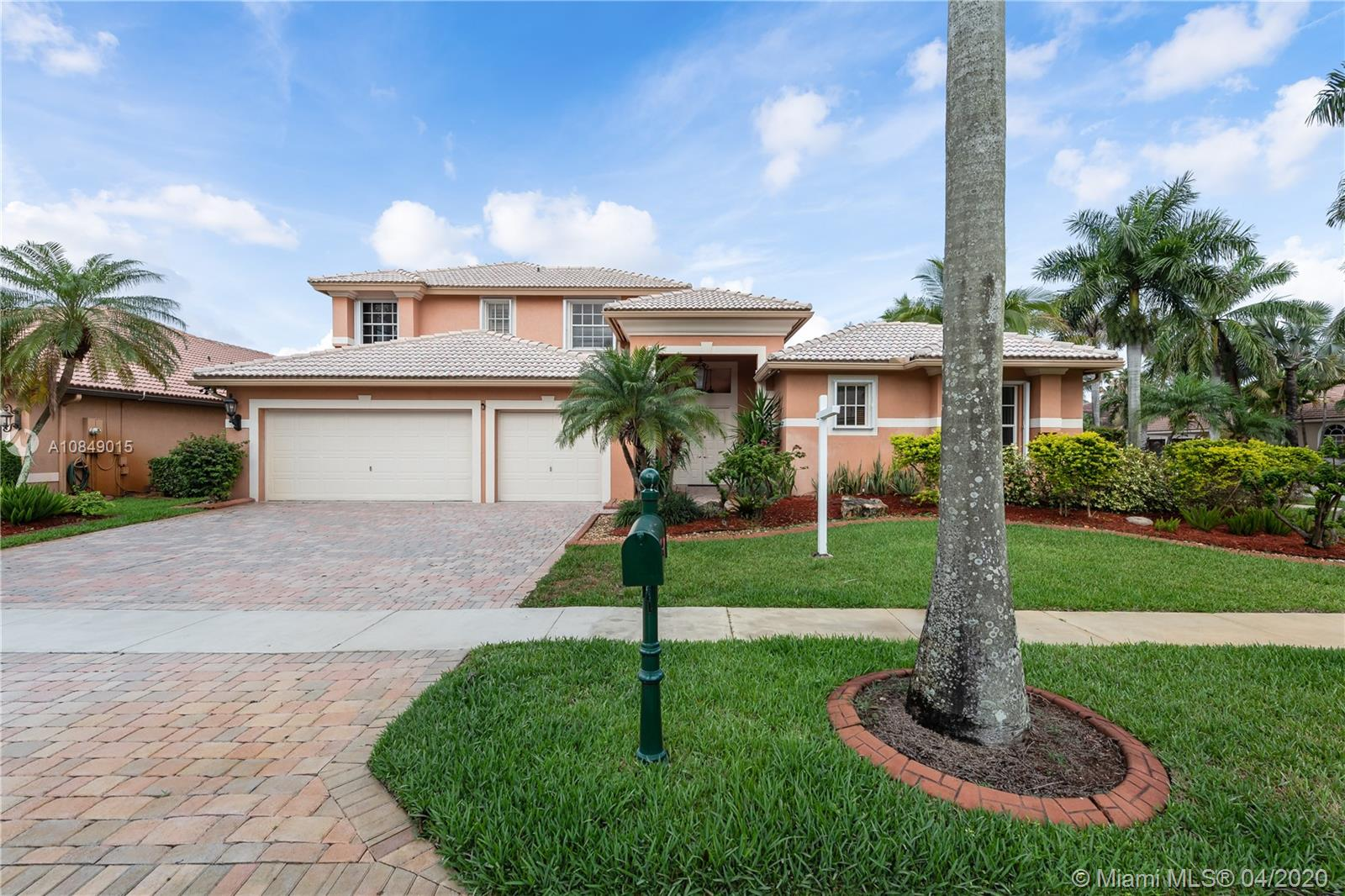 Property for sale at 18526 SW 41st St, Miramar,  Florida 33029
