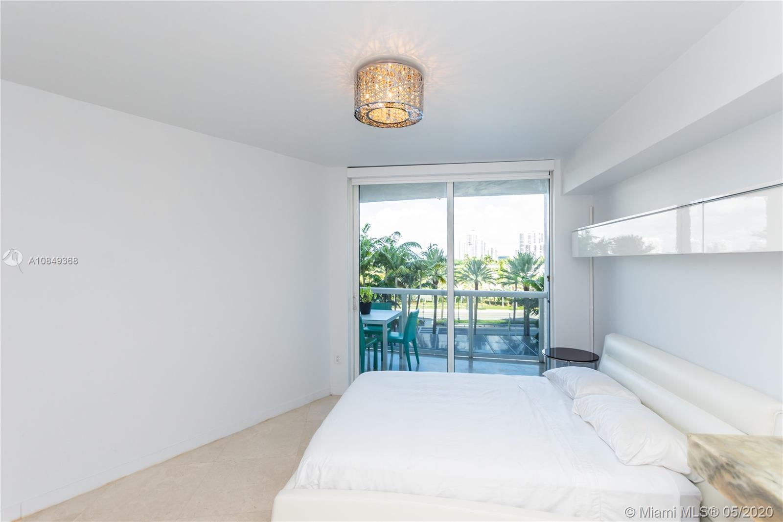 18911 Collins Ave #504 photo015