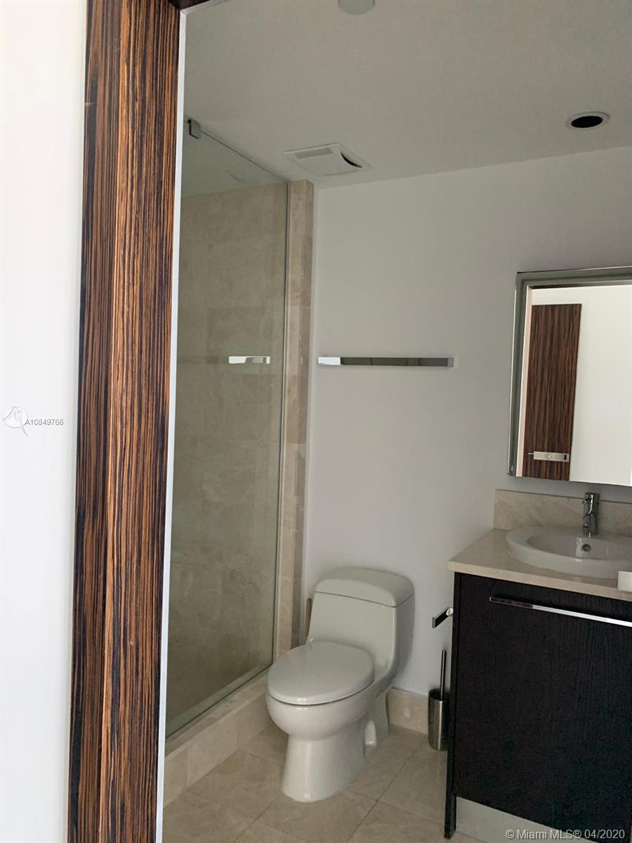 17121 Collins Ave #1104 photo048