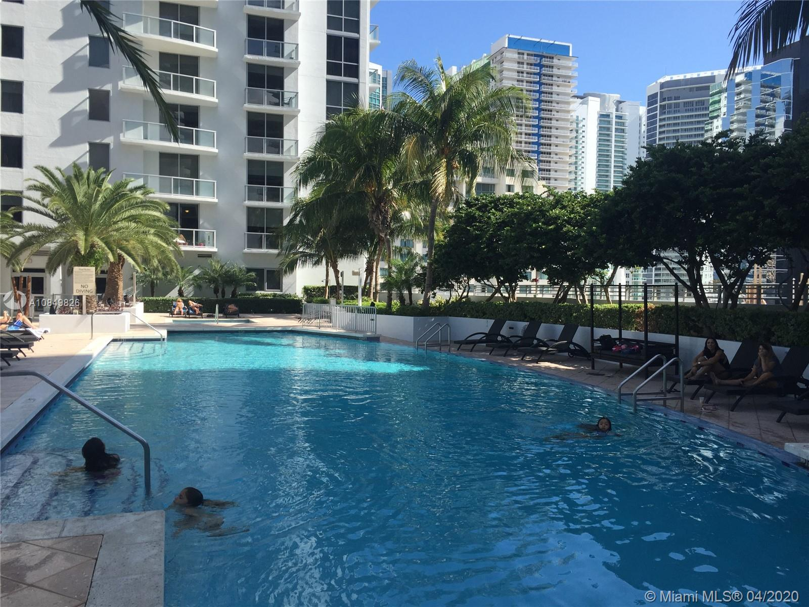 1060 Brickell Ave #1509 photo013