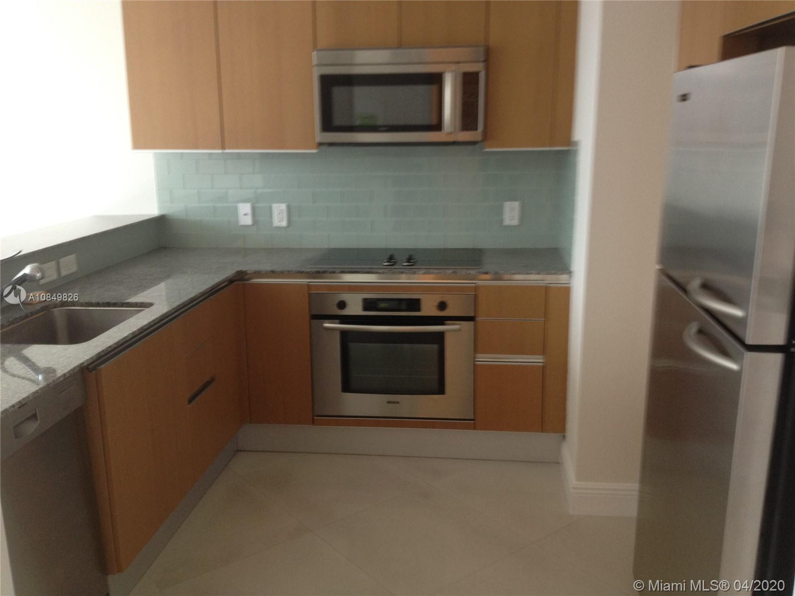 1060 Brickell Ave #1509 photo01