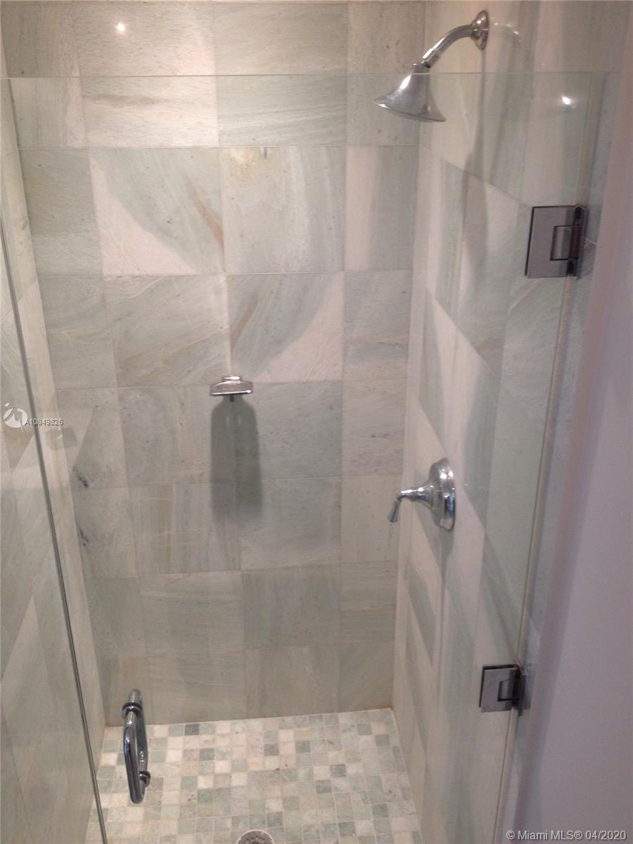 1060 Brickell Ave #1509 photo09