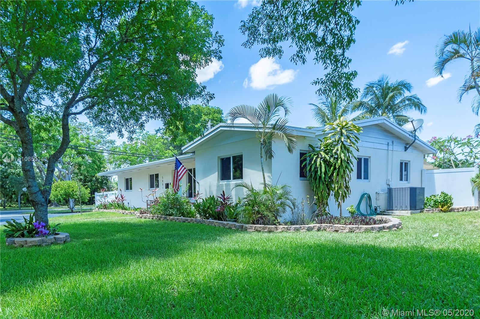 Property for sale at 5881 SW 15th St, Plantation,  Florida 33317