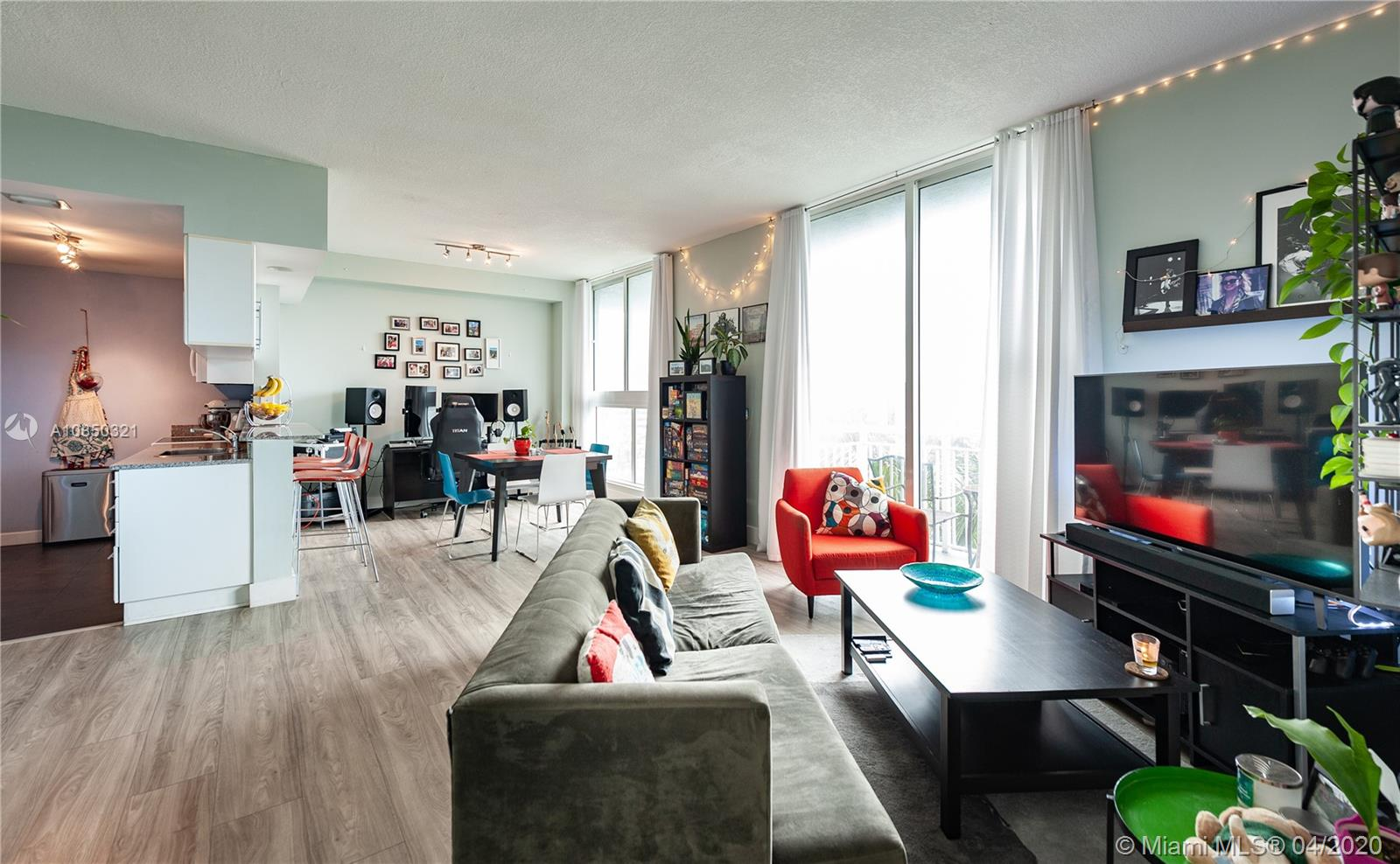 275 NE 18th St # 505, Miami, Florida 33132, 1 Bedroom Bedrooms, ,1 BathroomBathrooms,Residential,For Sale,275 NE 18th St # 505,A10850321