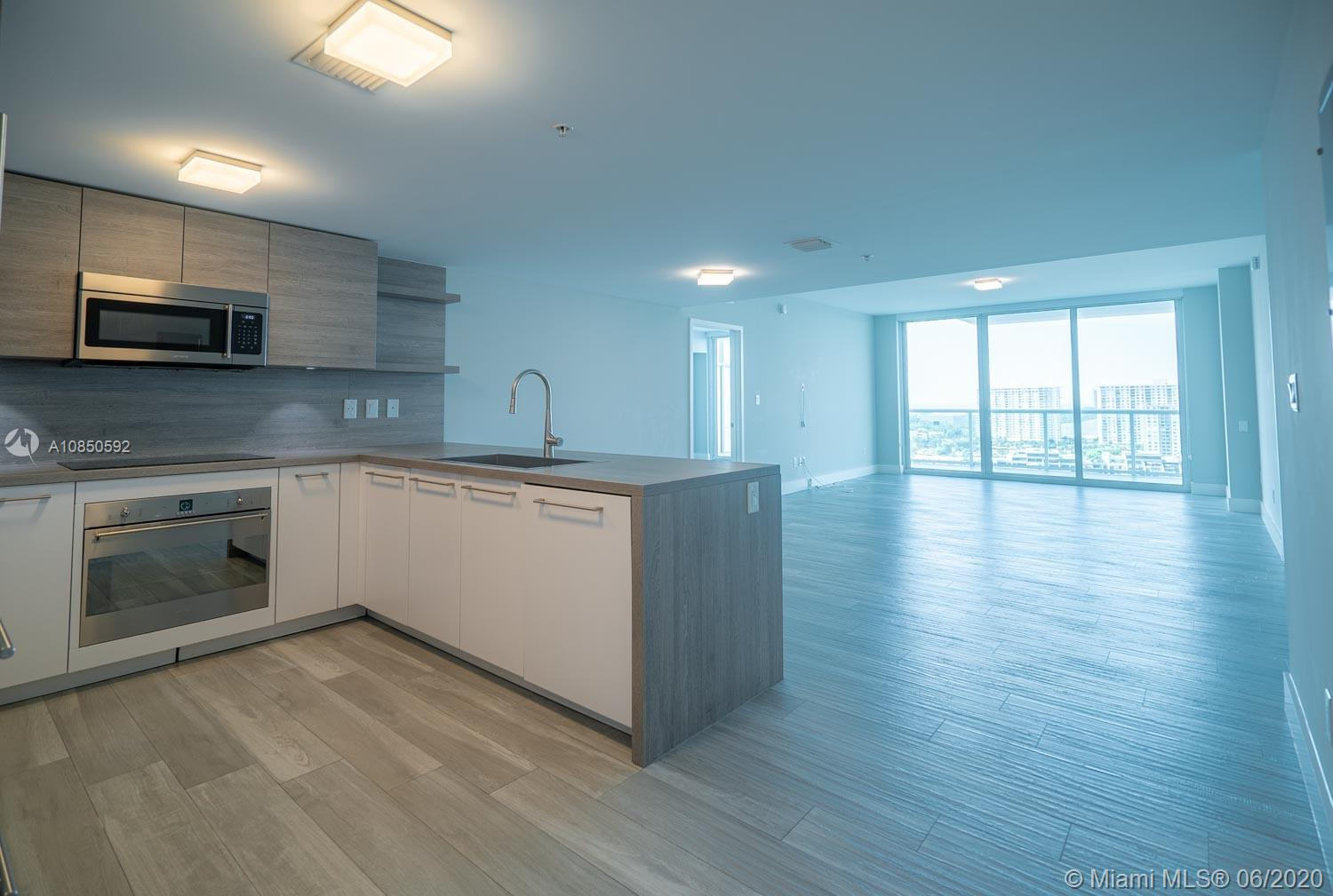 400 Sunny Isles Blvd #1721 photo08