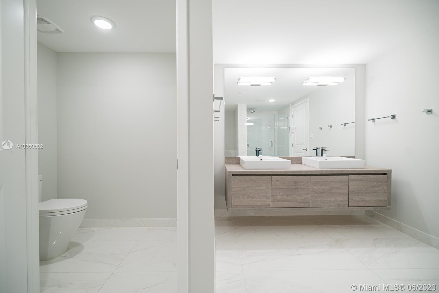 400 Sunny Isles Blvd #1721 photo021