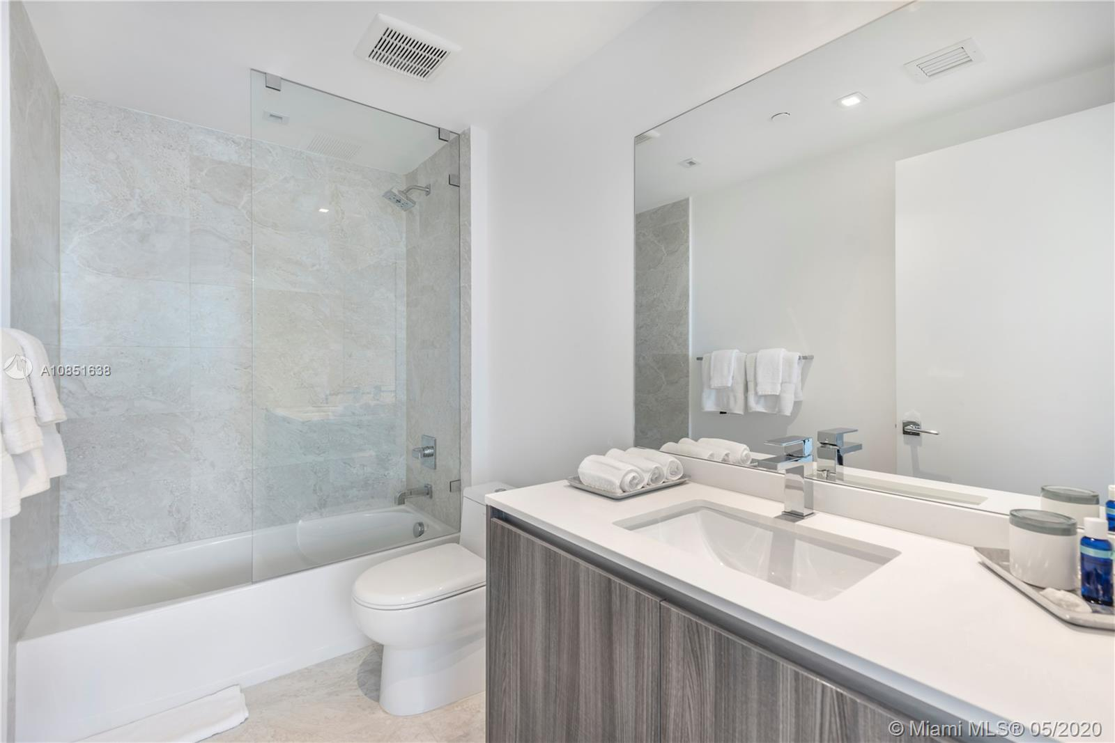 Photo of 488 NE 18th St #4808 listing for Sale