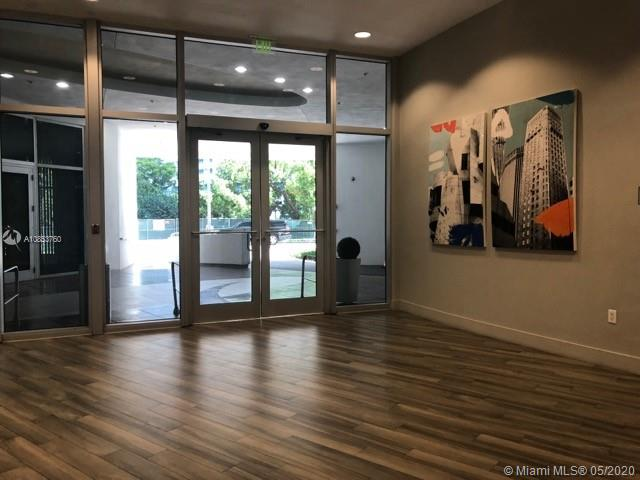 Photo of 1750 N Bayshore Dr #2805 listing for Sale